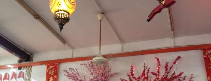 Mandarin Cafe is one of Lieux qui ont plu à Melvin.