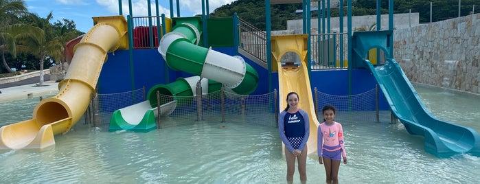 Club Náutico Campeche is one of Posti che sono piaciuti a Monica.