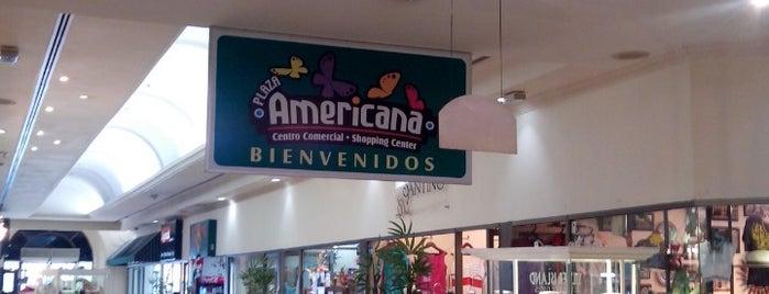 Plaza Americana is one of สถานที่ที่ ElJohNyCe ถูกใจ.