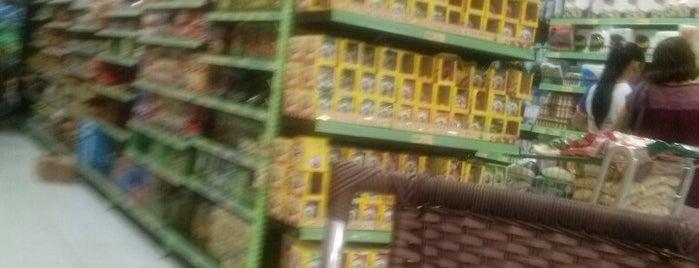 Supermercado Nossa Familia is one of สถานที่ที่ Marcos K. ถูกใจ.