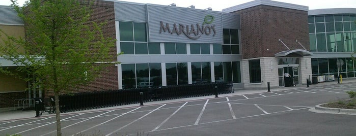 Mariano's Fresh Market is one of Mattさんのお気に入りスポット.