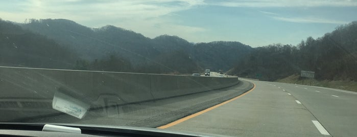 Tennessee Mountains is one of Tempat yang Disukai Toon.