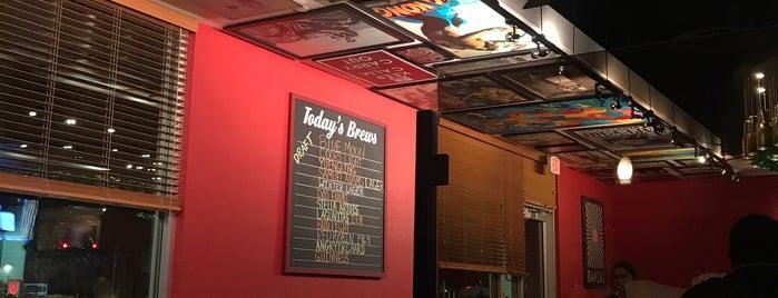 Red Robin Gourmet Burgers and Brews is one of Orte, die Andrew gefallen.