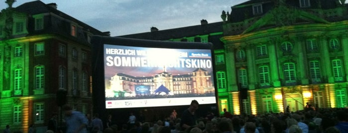 Open Air Kino am Schloss is one of Münster - must visit.