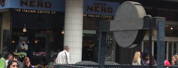 Caffè Nero is one of สถานที่ที่ Henry ถูกใจ.