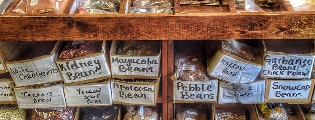 Christina's Spice & Specialty Foods is one of Lieux qui ont plu à Enrico.