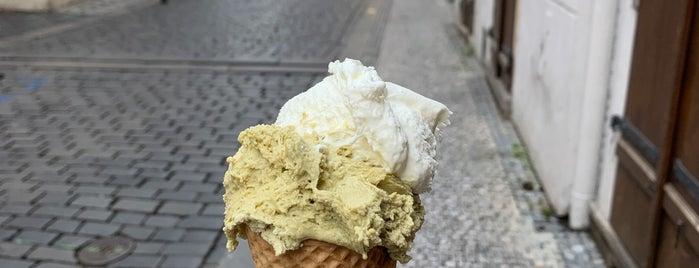 Crème de la Crème is one of Tempat yang Disimpan Queen.