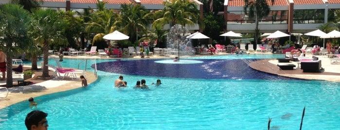 Los Tajibos Hotel Santa Cruz is one of My Hotels.