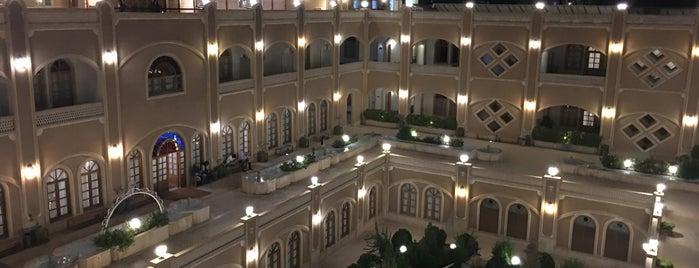 Daad Hotel | هتل داد is one of สถานที่ที่ Metin ถูกใจ.