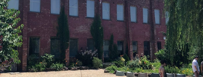 Outdoor Garden at Pioneer Works is one of Museum + Other Fun.