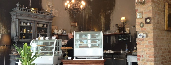 Louise Chérie Café is one of Coffee spots Berlin.
