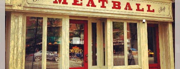 The Meatball Shop is one of Lugares favoritos de Tee.