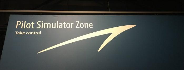 RAF Museum Flight Simulator is one of Posti che sono piaciuti a Henry.