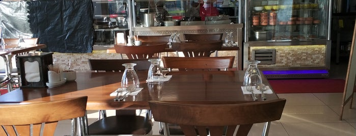 Üçbeş Köfte Restaurant is one of TEKİRDAĞ LEZZETLERİ.
