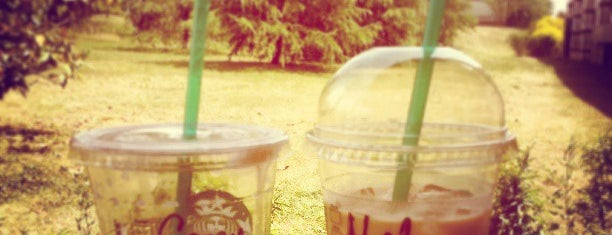 Starbucks is one of Lugares favoritos de Can.