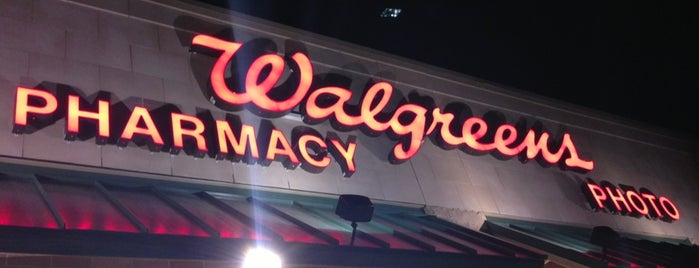 Walgreens is one of Locais curtidos por Katie.