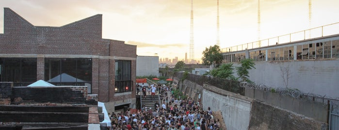 Knockdown Center is one of BK life.