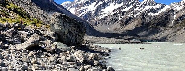 Aoraki Mount Cook is one of Nuova Zelanda.
