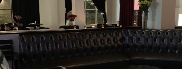 Hill Street Bar & Restaurant is one of Nobody Walks in LA.