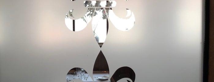 Artisans Restaurant is one of Lieux qui ont plu à Carlos.