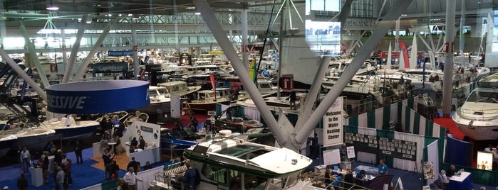 New England Boat Show is one of Orte, die Howie gefallen.