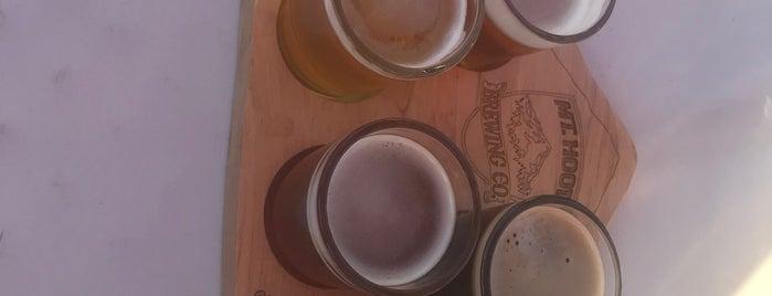 Mt. Hood Brewing Company is one of Hugo : понравившиеся места.