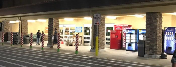 Walmart Neighborhood Market is one of Cralie'nin Beğendiği Mekanlar.