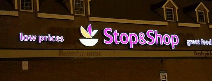 Stop & Shop is one of สถานที่ที่ Bart ถูกใจ.