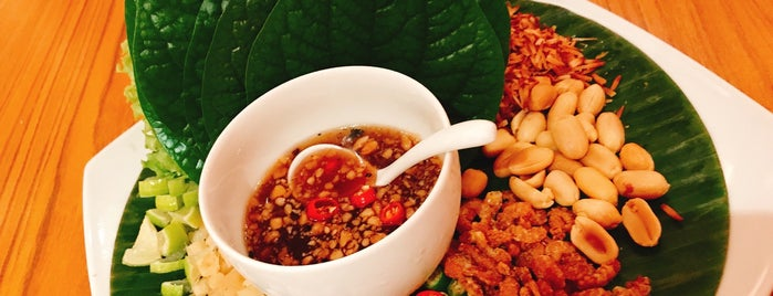 Thanying Authentic Royal Thai Cuisine is one of MAC 님이 좋아한 장소.