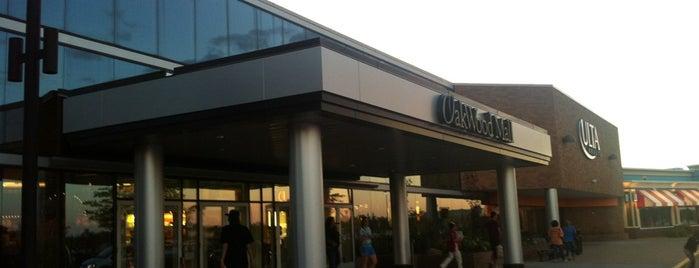 Oakwood Mall is one of สถานที่ที่ Miguel ถูกใจ.