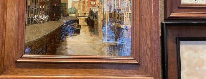Kramer Kunst & Antiek is one of Amsterdam.