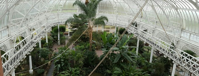 Winter Gardens is one of Serres et verrières🌿.