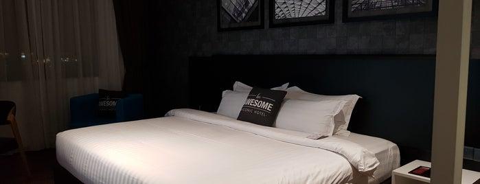 Iconic Hotel is one of Tempat yang Disukai Alyssa.