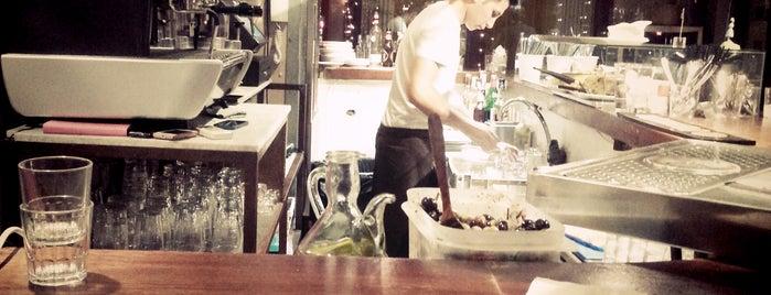 Ambigú Tapas Bar is one of Bruno'nun Beğendiği Mekanlar.