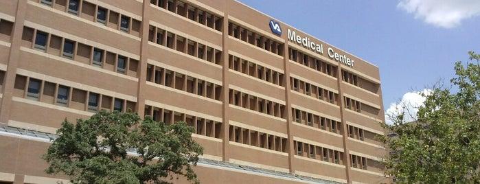 Audie Murphy Memorial VA Hospital is one of Orte, die Heath gefallen.