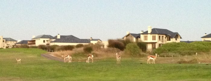Atlantic Beach Golf Estate is one of Orte, die Richard J B gefallen.