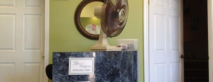 Rubina's Beauty Salon is one of Posti che sono piaciuti a Coco.