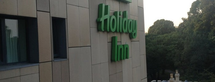 Holiday Inn Cardiff City Centre is one of Lugares favoritos de Carl.