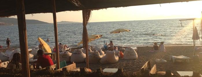Sakal Beach Club is one of Dikili.