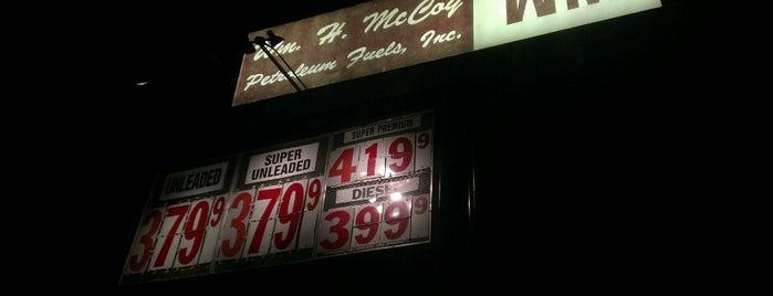 Wm. H. McCoy Gas Station is one of Locais curtidos por Alan.