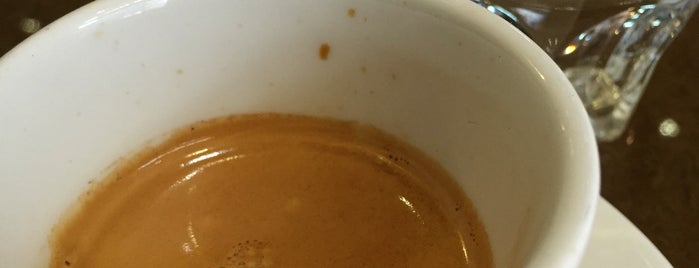 Lima Café - Peruvian Pastry & Coffee is one of สถานที่ที่ Jamhil ถูกใจ.