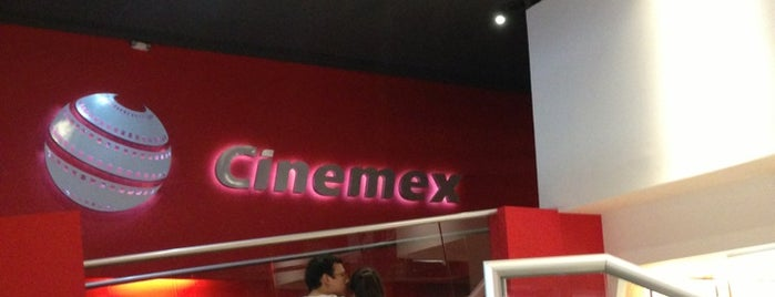 Cinemex is one of Lugares favoritos de Annie.