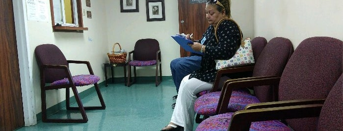University Of Miami Doctors Office is one of Locais curtidos por Don.