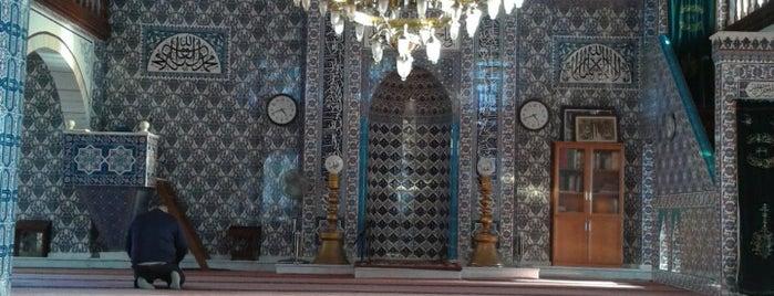 Hekimbaşı Cami is one of Locais curtidos por Emre.