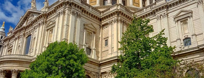 St Paul's is one of Orte, die Yunus gefallen.