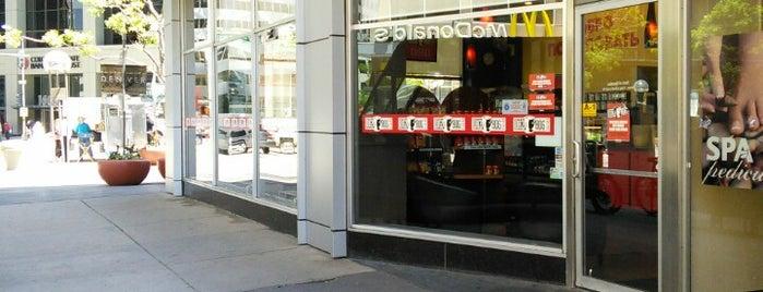 Dazbog Coffee is one of Lugares favoritos de Mike.