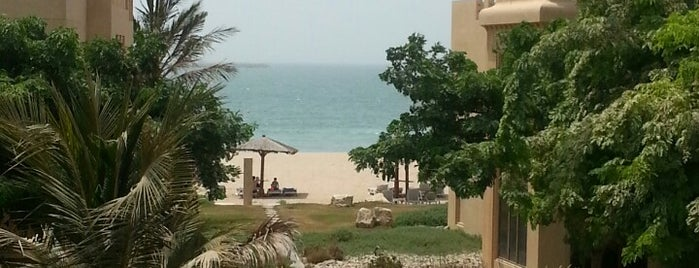 Hilton Al Hamra Beach & Golf Resort is one of Posti che sono piaciuti a Francesca.
