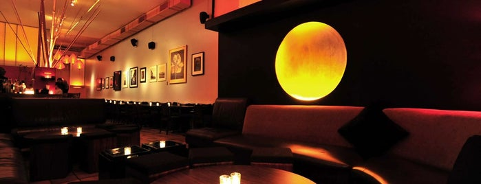 Verlaine Bar & Lounge is one of Happy Hours.