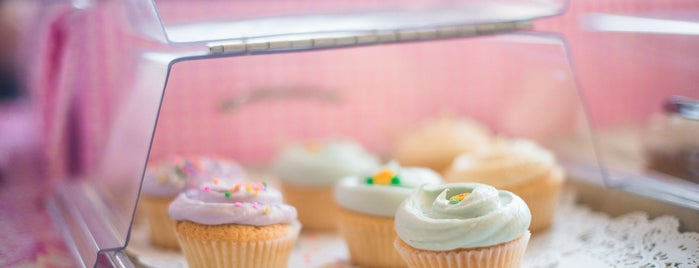 Magnolia Bakery is one of The Midtown East List by Urban Compass.