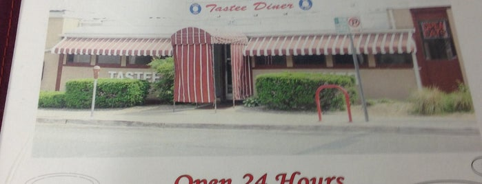 Tastee Diner is one of Locais curtidos por Sunjay.
